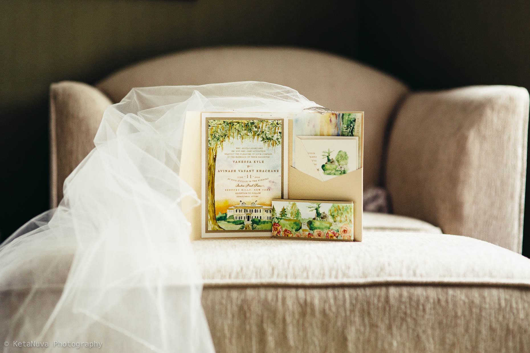 We absolutely loved this custom invitation card. Hudson valley wedding.